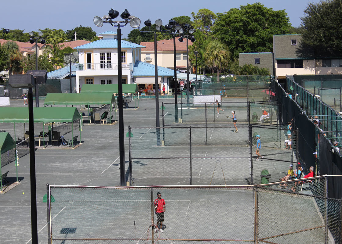 Tennis School HIT practice courts