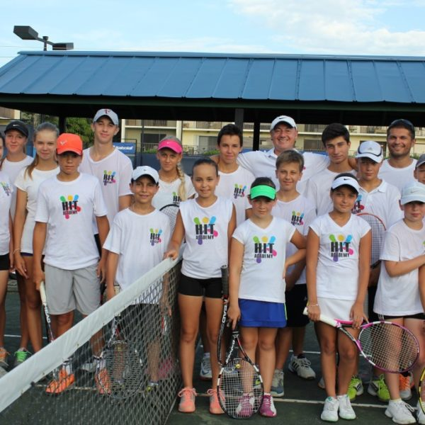 Tennis Camp in Florida group photo HIT 1024x682