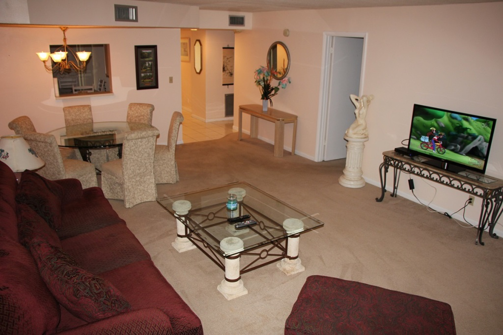 Tennis Academy in Florida Accomodations Drawing room